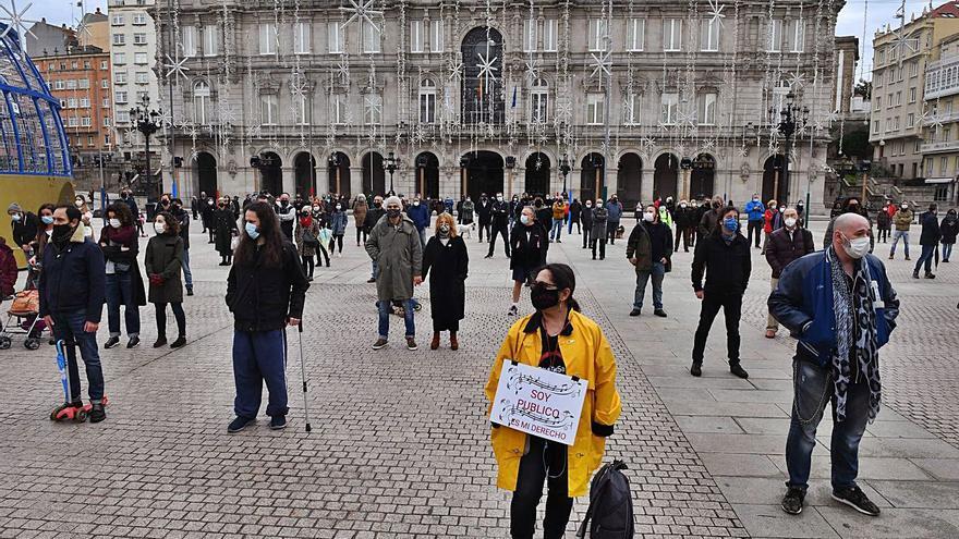 """El sector cultural reivindica en María Pita """"volver a trabajar"""" para poder sobrevivir"""