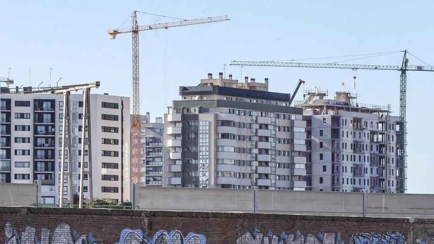La compraventa de viviendas cae hasta el 13,3% en octubre