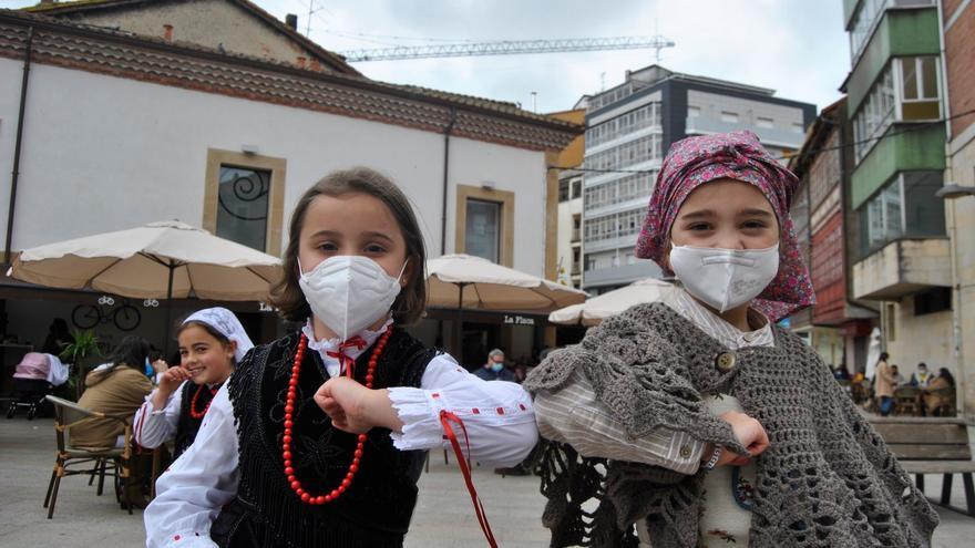 El día grande de los Güevos Pintos en La Pola