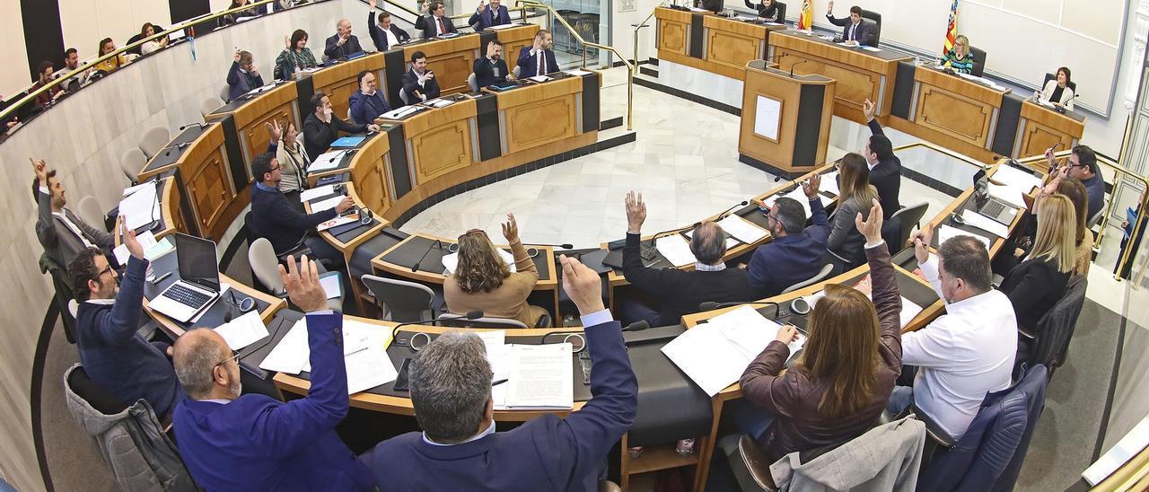 Un pleno de la Diputación de Alicante del pasado mes de enero