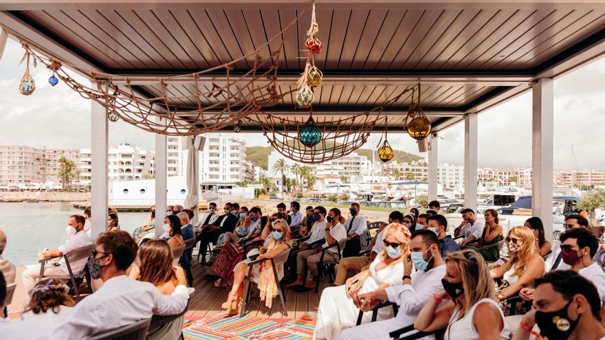 El covid no silencia las bodas en Ibiza