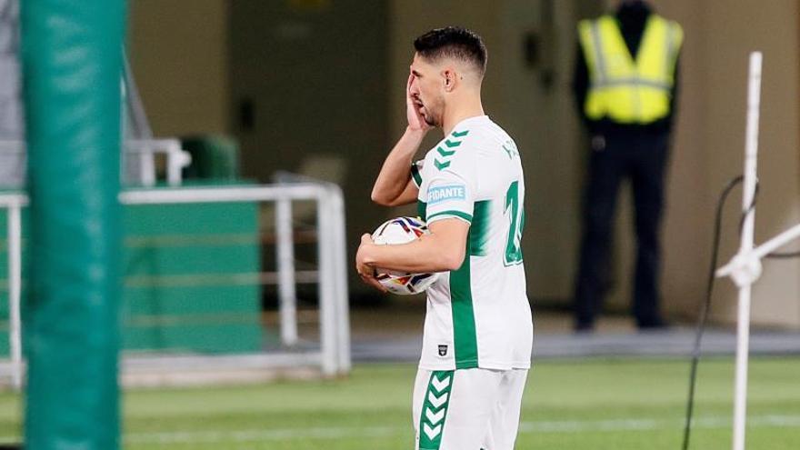 El Elche prepara su partido frente al Sevilla