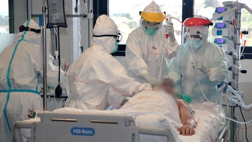 Los contagios por covid suben a 69 en una jornada con tres fallecidos y diez nuevos ingresos