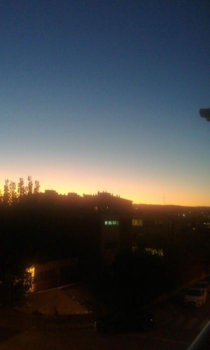 Posta de sol d'un dia de tardor a Manresa.