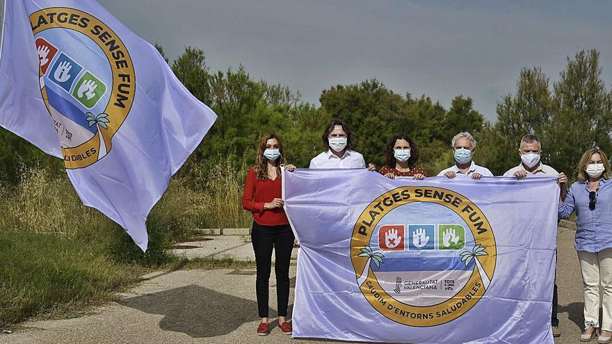 Declaran libres de humos cuatro playas del sur de València