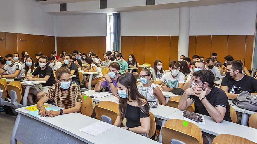 Educación rechaza la mayoría de solicitudes de profesores para impartir clases online