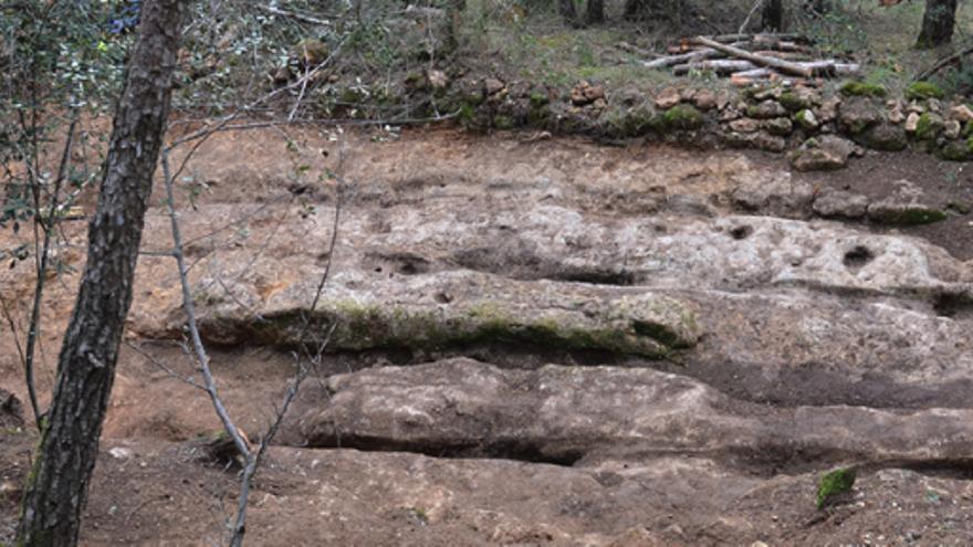 Sant Mori recupera un tram de l'antiga Via Augusta romana amb roderes de carros
