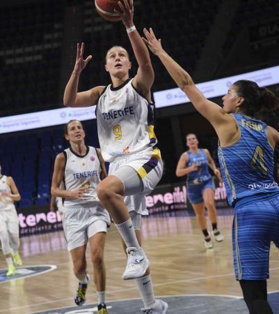 Partido Clarinos Tenerife - Fribourg de la Eurocup Women de baloncesto