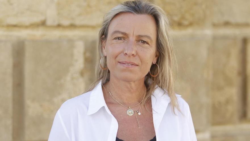 Isabel Albás: «Detrás de un mostrador hay familias que dependen de nosotros»
