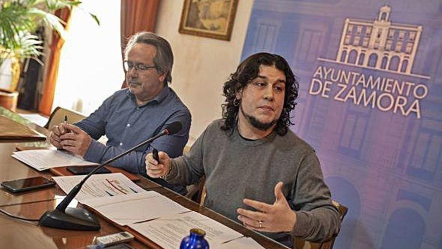 Francisco Guarido y Diego Bernardo presentan la liquidación presupuestaria de 2019.