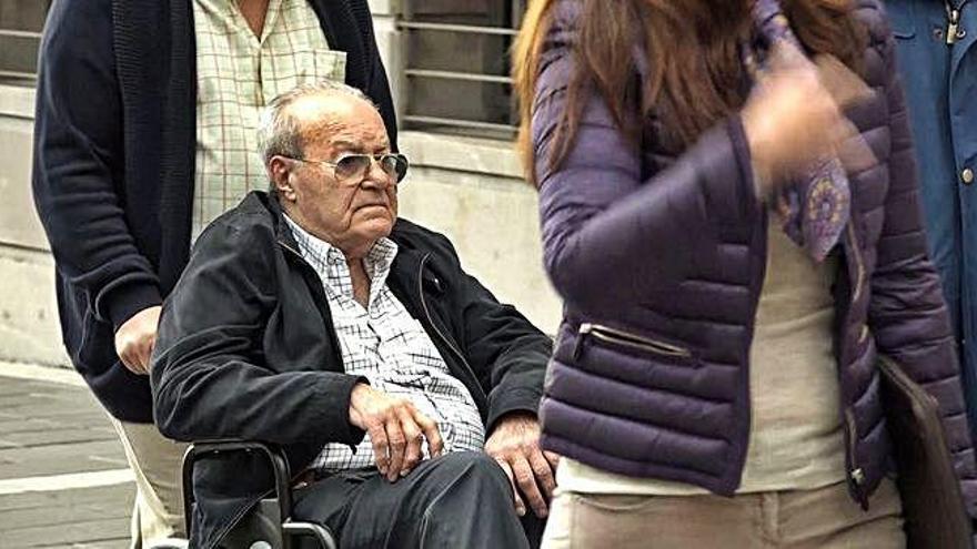 Ignacio González alega problemas de movilidad para evitar la prisión