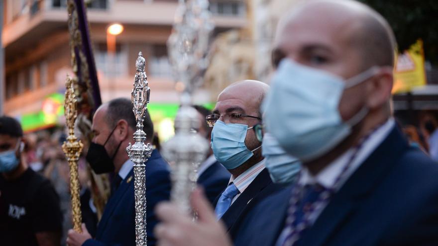 Mínimo número de portadores y todos vacunados: las recomendaciones para la vuelta de las procesiones