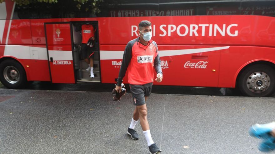 Nacho Méndez, fuera de la convocatoria del Sporting para Cartagena