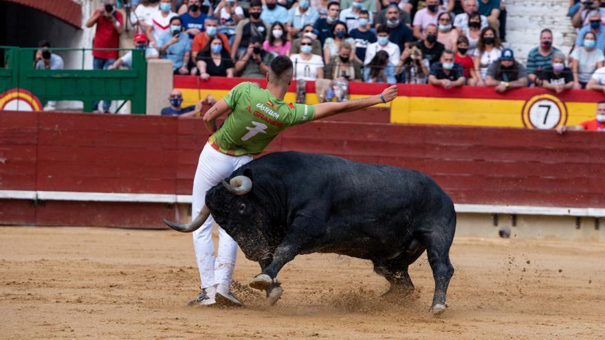 Aarón Grande se corona en Castellón con los 'victorinos'
