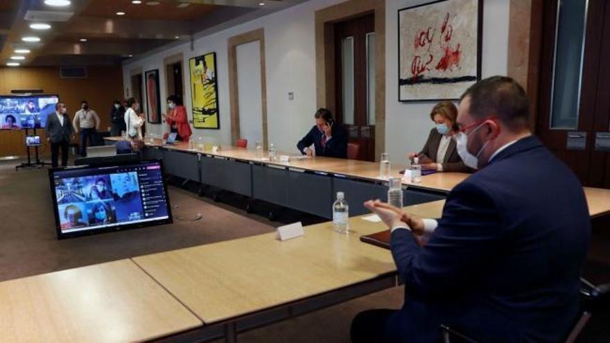 """Asturias cierra todas las actividades """"no esenciales"""""""