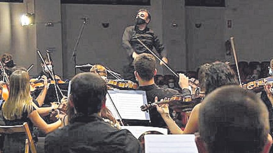 La Orquesta Teatro Castelar da un concierto en el ADDA