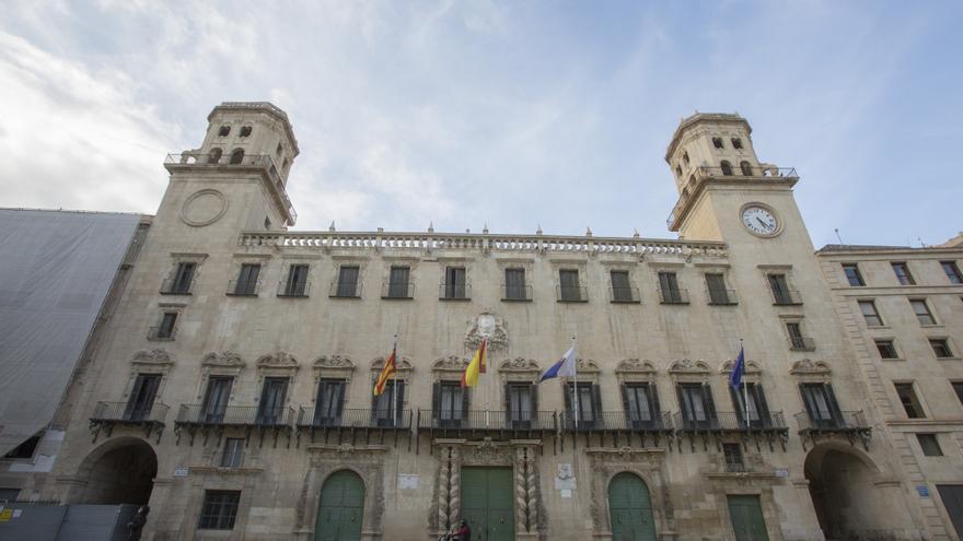 Alicante celebra sus 531 años como ciudad con un recorrido fotográfico por su historia