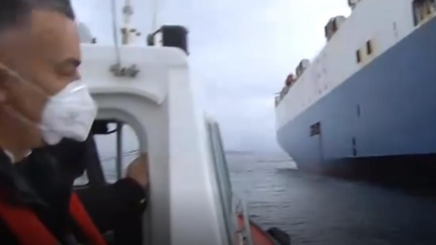 Prácticos de Vigo, los primeros en exponerse sin conocer el estado de salud de la tripulación