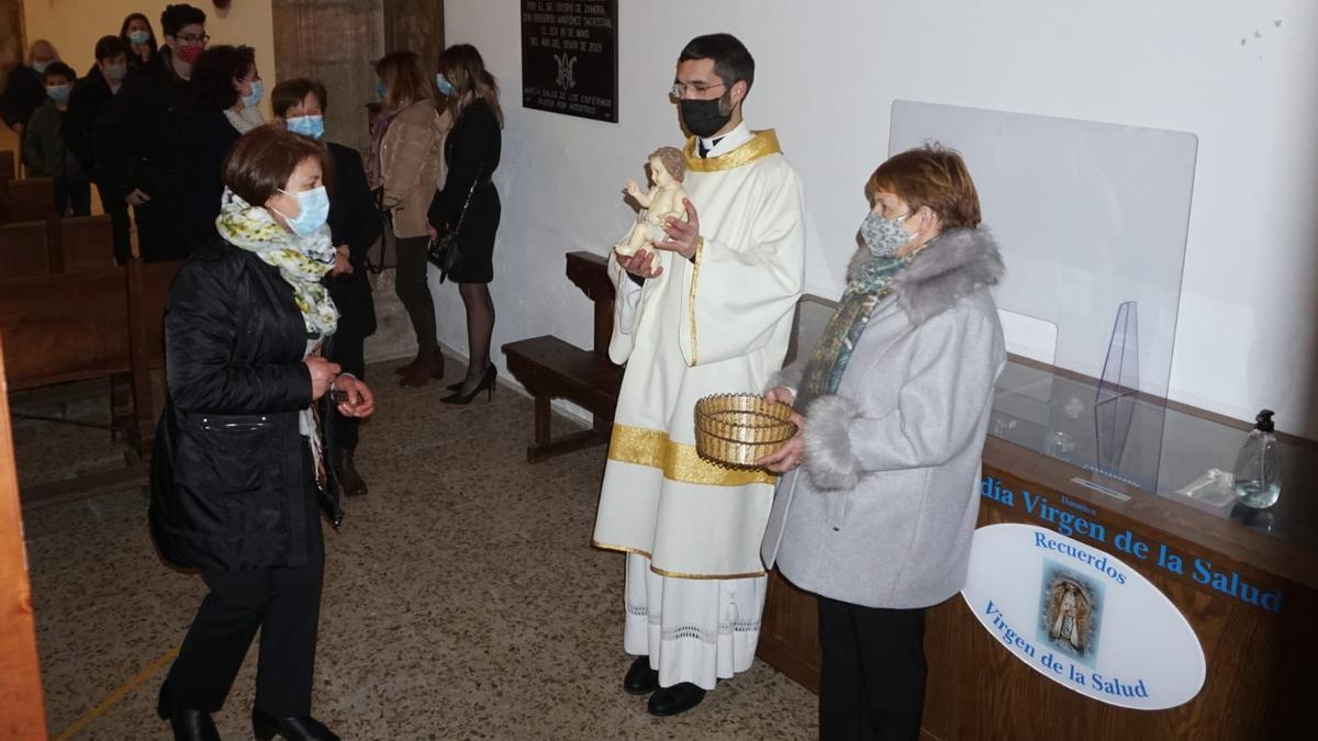Adoración al Niño en Alcañices, en el año del COVID.
