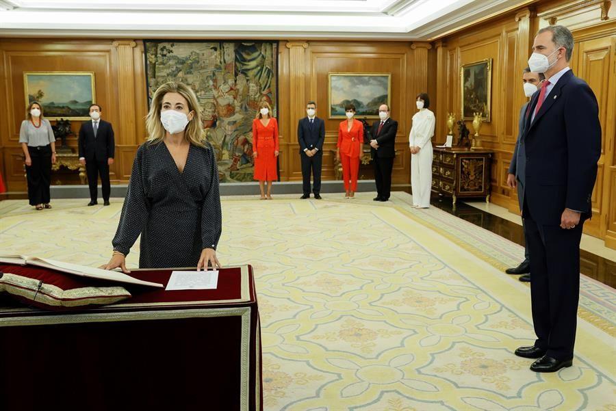 Pilar Alegría y el resto de ministros toman posesión del Gobierno