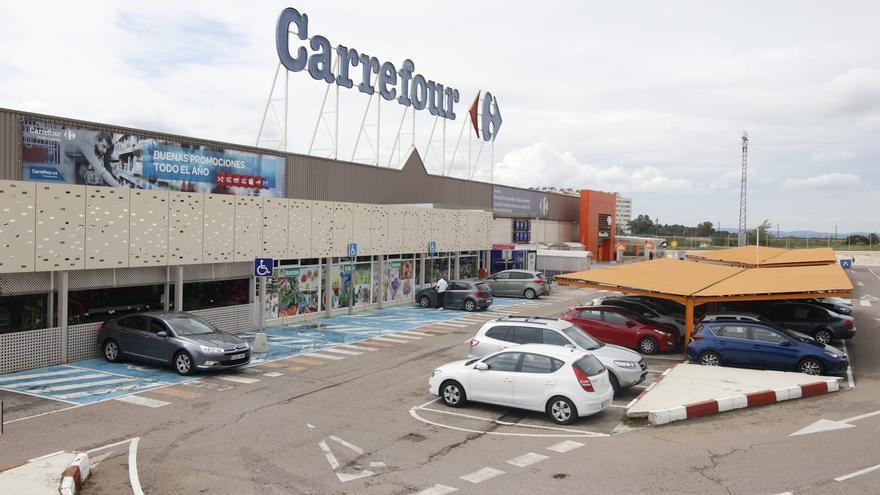 La Junta no tendrá que indemnizar a Carrefour por la limitación de la apertura en domingos