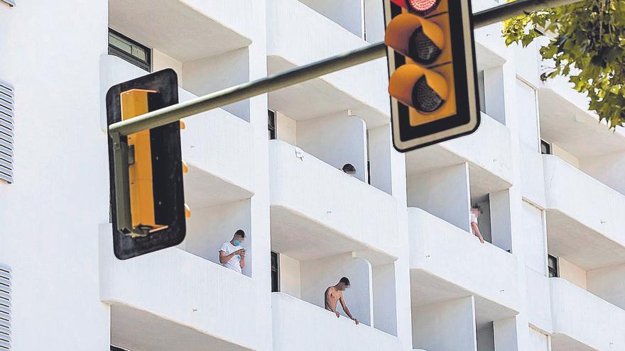 Uno de cada tres estudiantes confinados en Mallorca tiene la covid-19