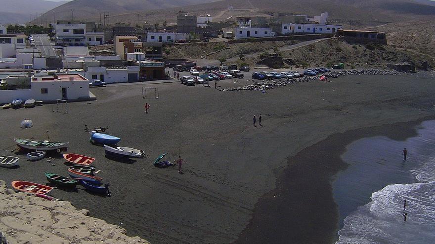 La playa de Ajuy acogió una campaña sobre la limpieza en el  entorno del litoral