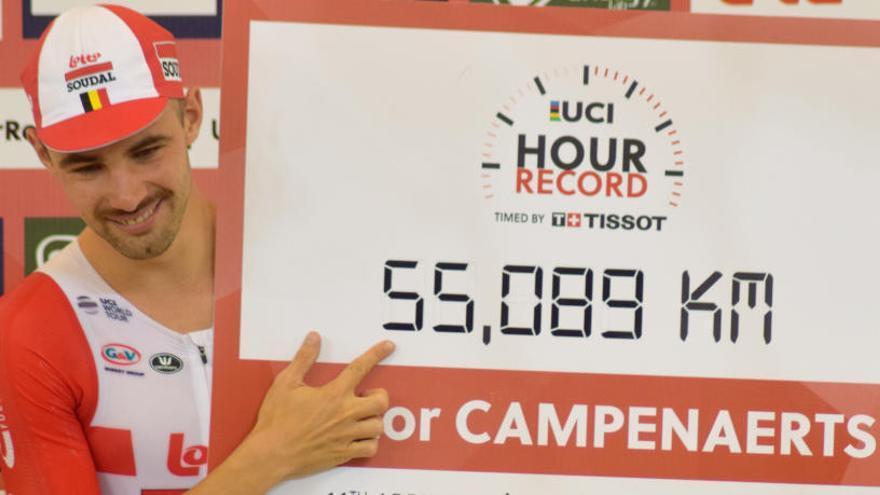El belga Campenaerts bate el récord de la hora en México