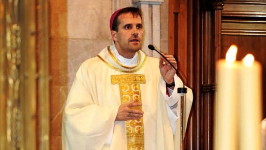 El obispo de Solsona renuncia a su diócesis por una escritora de novela erótica