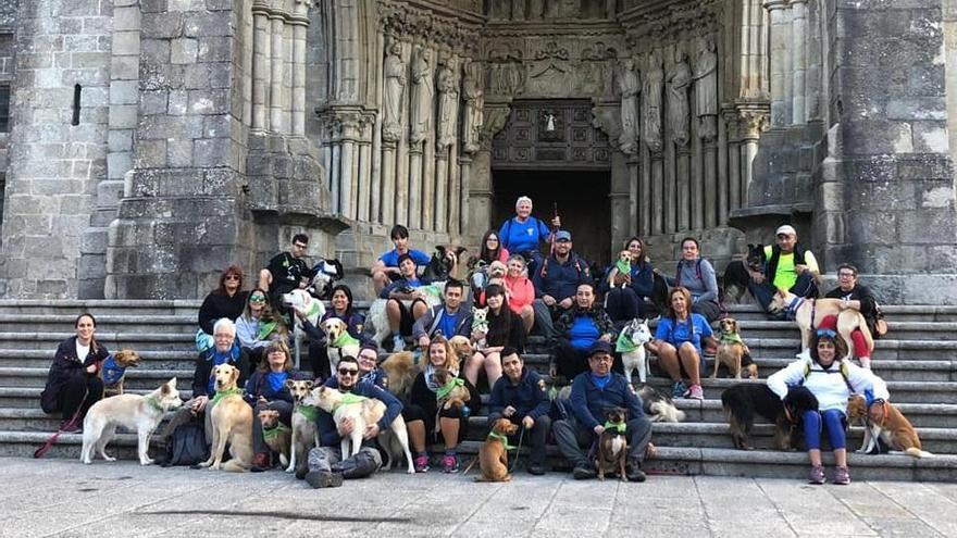 """Siete """"perregrinos"""" de Os Palleiros inician el Camino"""