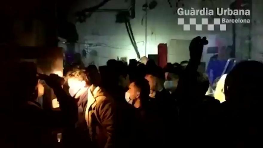 La Guardia Urbana desaloja una fiesta ilegal en Barcelona con 70 personas