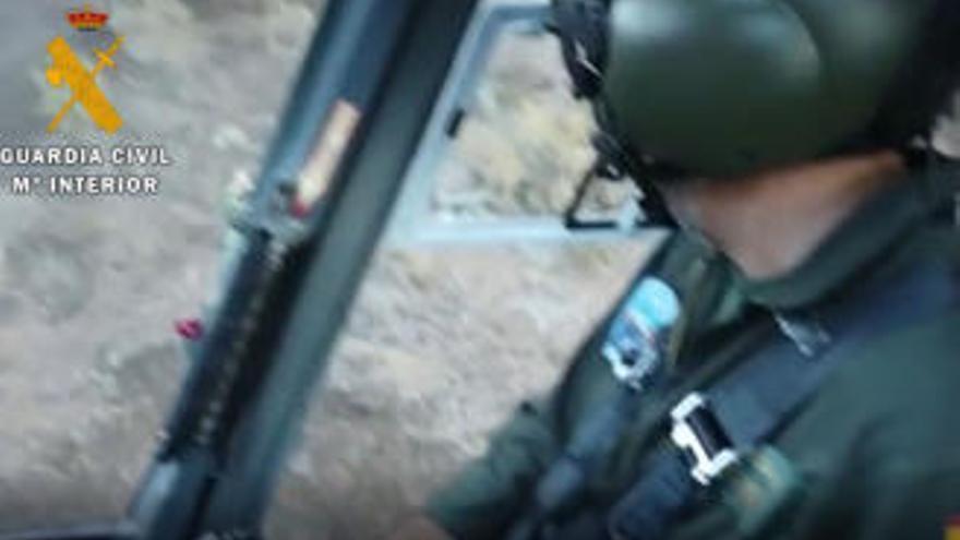 Espectacular rescate de un senderista atrapado en un barranco de La Gomera