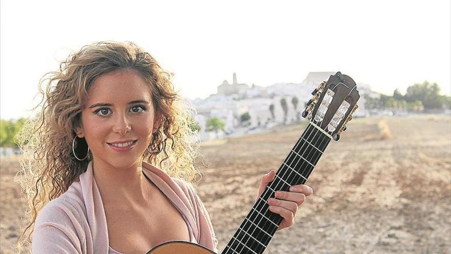 La guitarrista montillana Mabel Millán es nominada a los Grammy Latino 2017