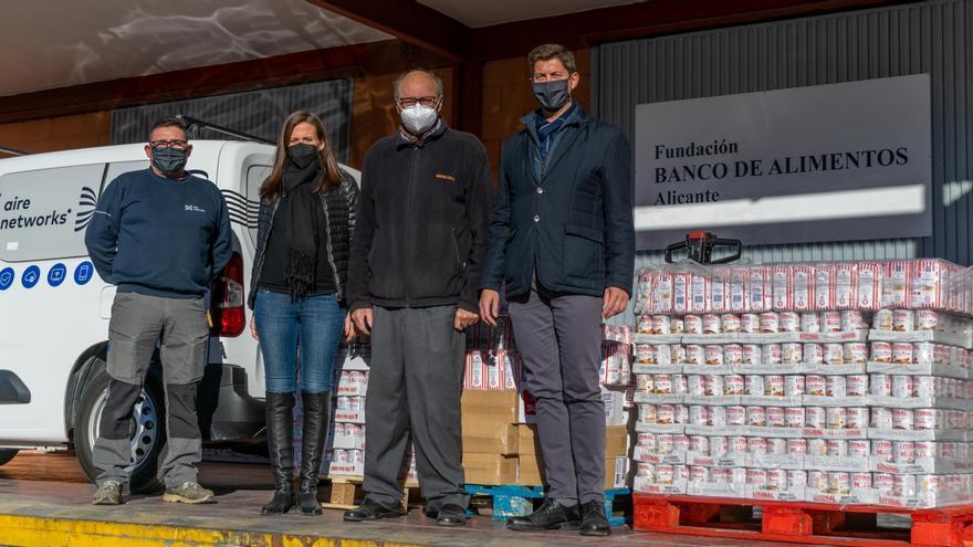Aire Networks dona una tonelada de conservas al Banco de Alimentos de Alicante
