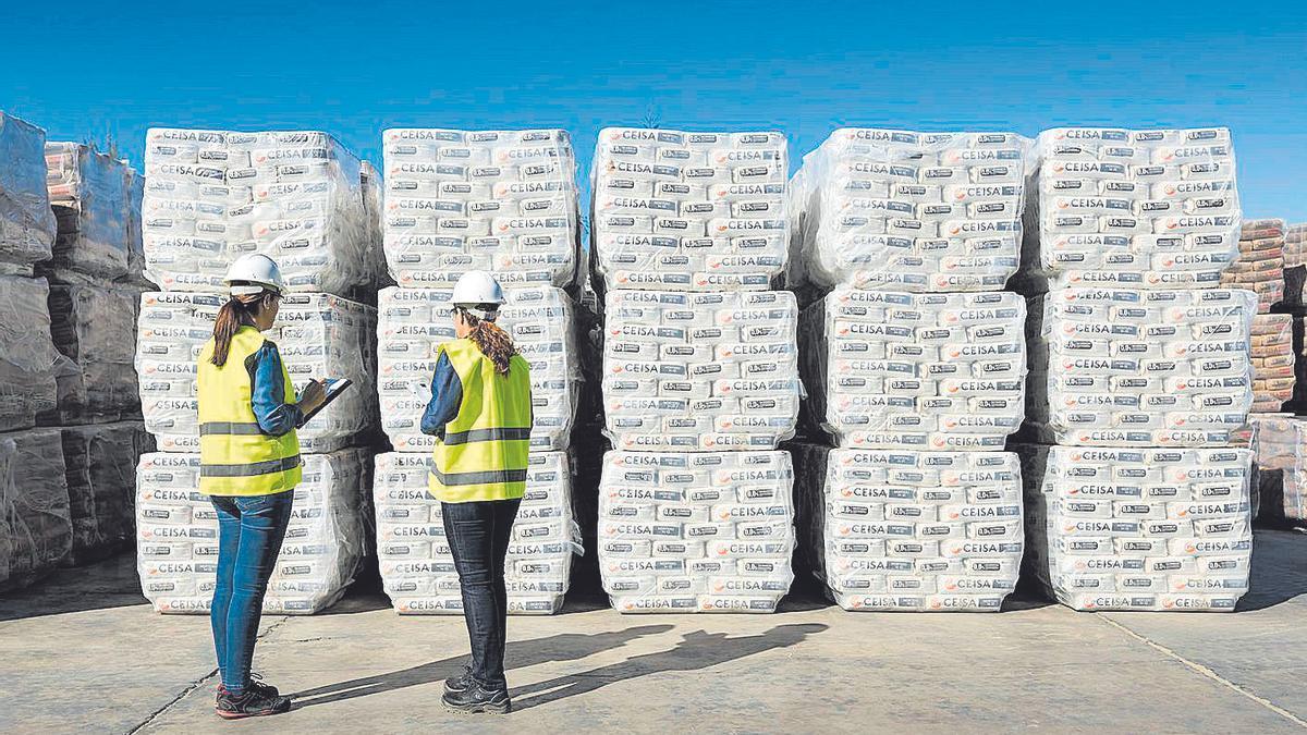 CEISA se caracteriza por sus cementos a medida de las especiales características de las construcciones canarias.