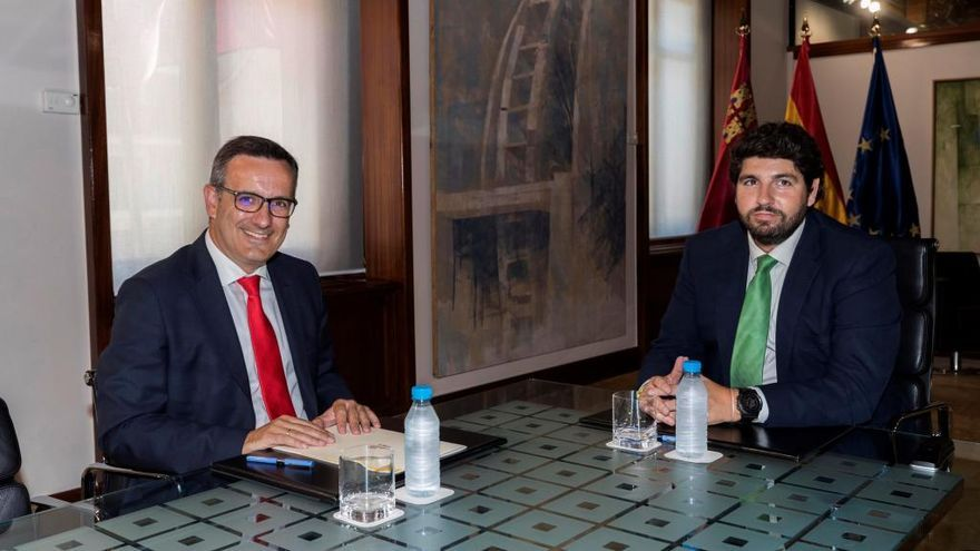 PP y PSOE empatan a escaños en la Asamblea Regional