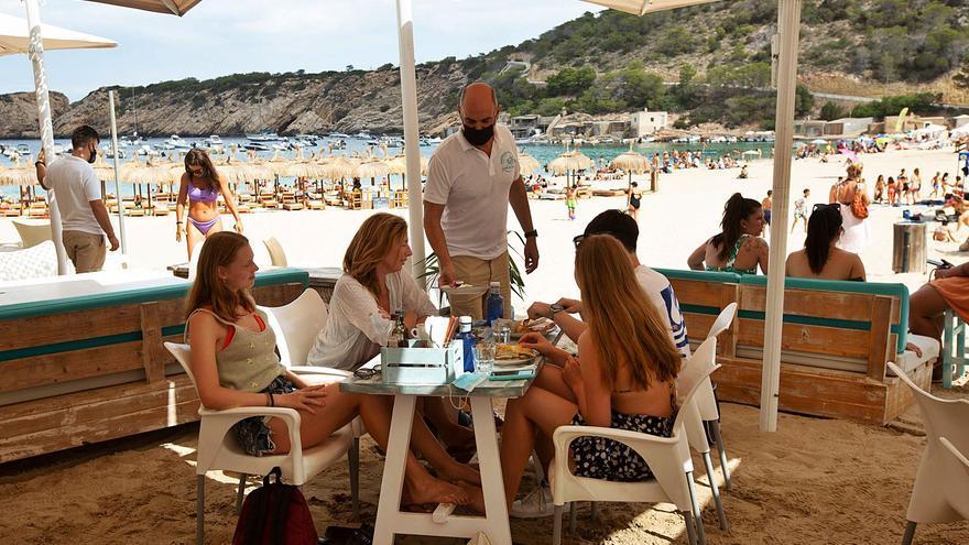 TUI Holanda suspende sus vuelos a Ibiza y el resto de Baleares a partir del 16 de julio