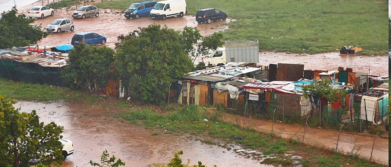 Los asentamientos y las zonas verdes se llenan de agua. | SALVA GONZÁLEZ