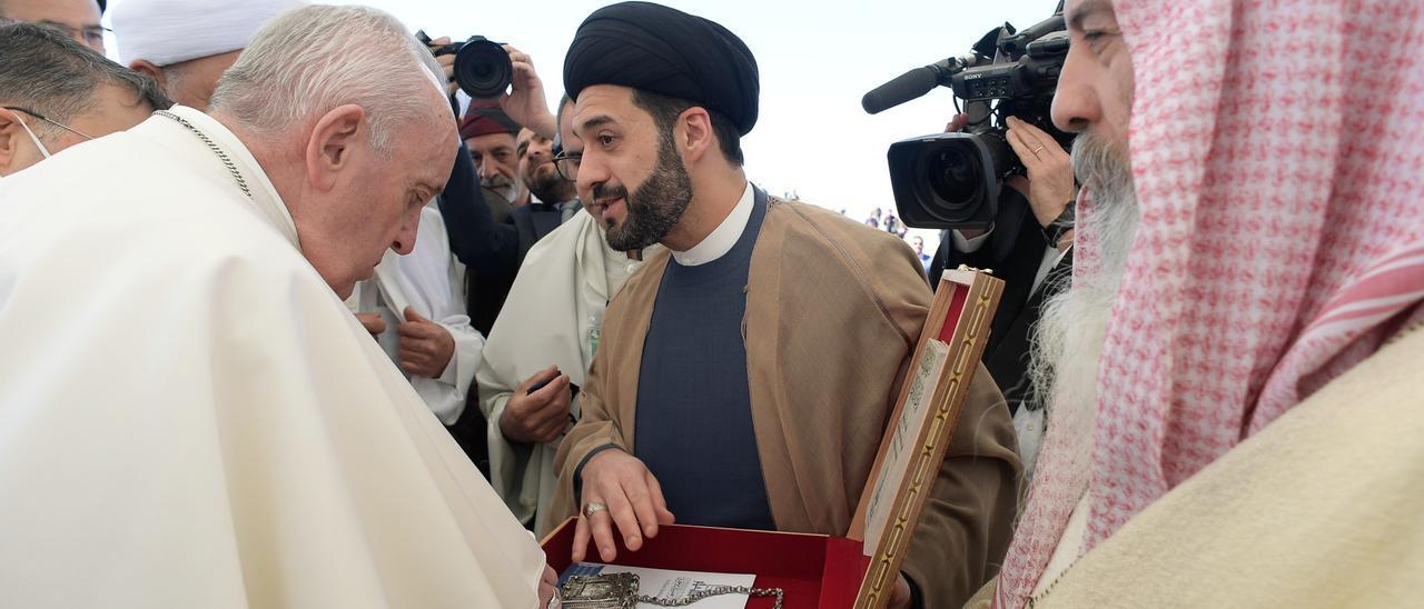 El papa Francisco se reúne con el ayatolá Al Sistani en Irak