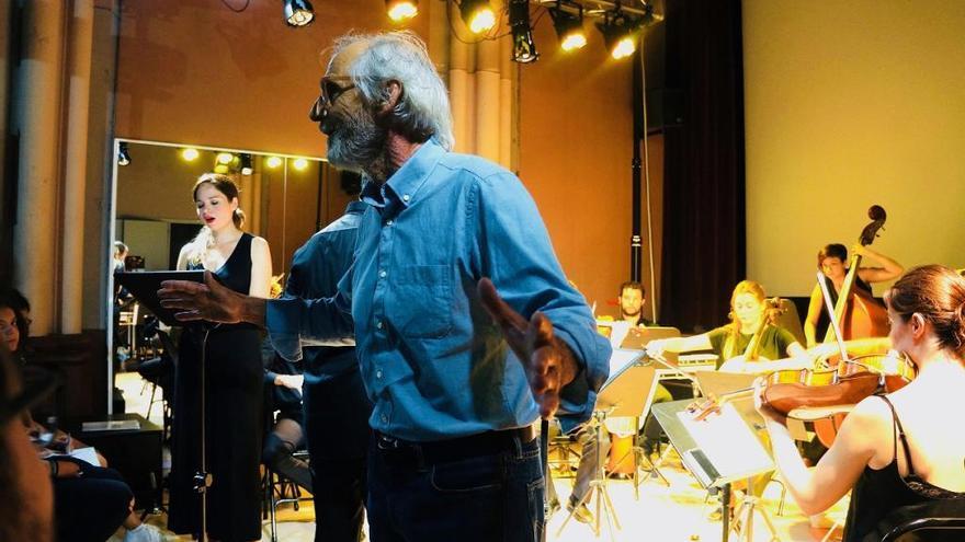 Miquel Brunet estrena 'Trifàsic' en Valencia