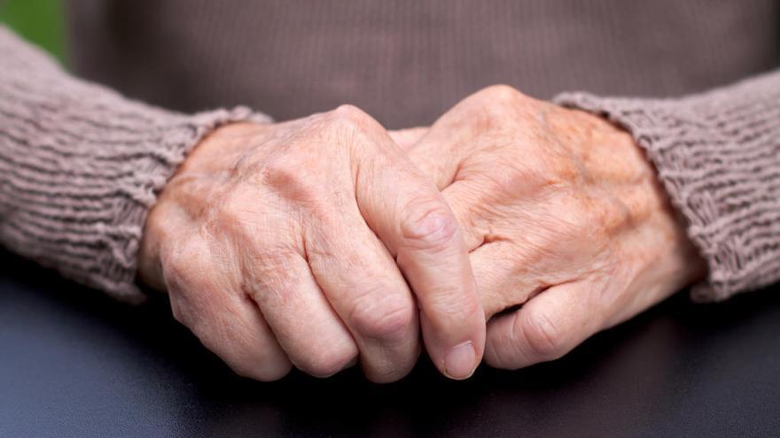 Deu símptomes per detectar el Parkinson
