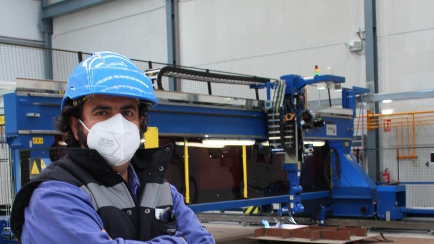 Gondán incorpora su primer robot de soldadura