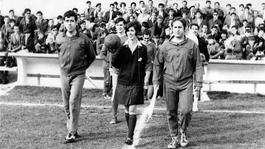 "Raquel Hernández de Mendiguren, ""la chica árbitro"""