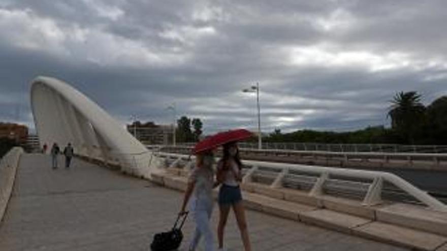 Tiempo en Valencia: Bajada notable de las temperaturas y vientos muy fuertes