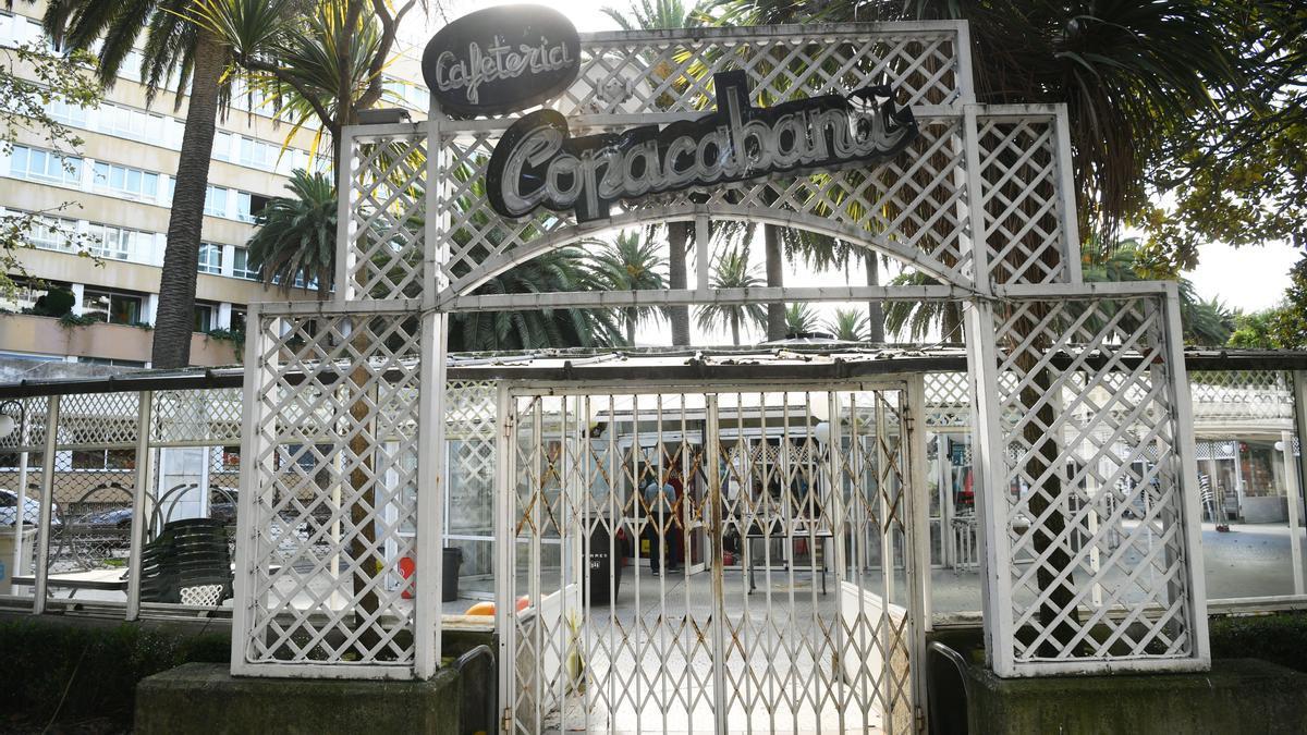 Puerta principal del Copacabana, cerrado desde octubre de 2019