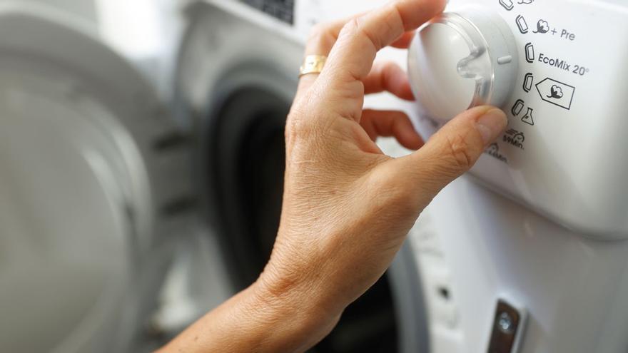 El truco para que tu lavadora huela otra vez como si fuera nueva