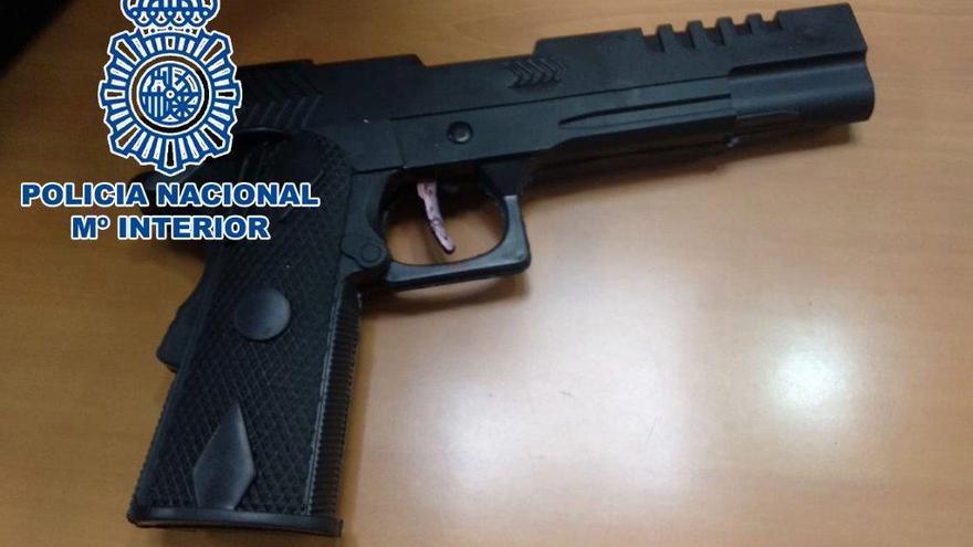 Detenido con una pistola tras una reyerta para echar a unos okupas en Carrús