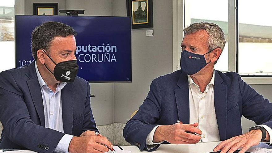 La Diputación aporta fondos al bono turístico de la Xunta para cubrir la lista de espera