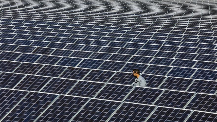 El grupo Enercoop de Crevillent asesora a una cooperativa eléctrica de València para poner en marcha una planta solar