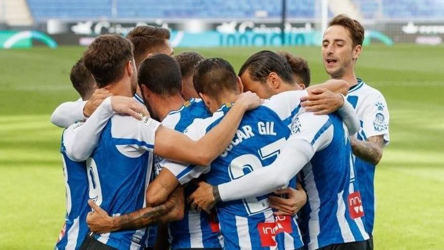 El Espanyol detecta tres posibles positivos y no viaja, de momento, a Tenerife